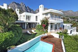 Camps Bay Accommodation - Tree Rd Villa