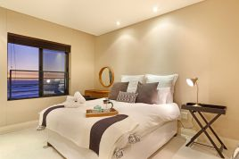 Accommodation in Cape Town - Eden On The Bay 277
