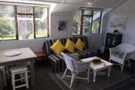 Garden Route Accommodation - Moonriver Loft Apartment
