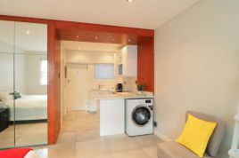 Mouille Point Accommodation - 13 Sandringham Studio - Beach Road
