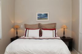 Hermanus Self Catering - 66 On Eighth