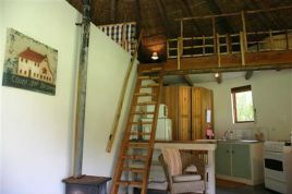 Swellendam Accommodation - Bamboo Rondavel
