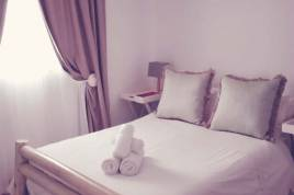 Holiday Apartments - Paternoster Hotel