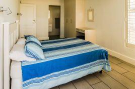 Holiday Apartments - 87 Marine Drive