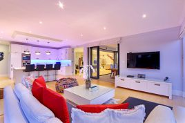 Blouberg Holiday Rentals - Flamingo Villa