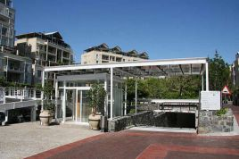 V&A Waterfront Accommodation - Waterfront Village