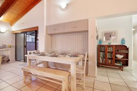 Blouberg Holiday Rentals - 90 Beach Road