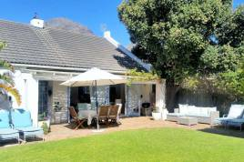 Holiday Apartments - Hout Bay Beach Cottage