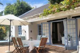 Hout Bay Accommodation - Hout Bay Beach Cottage