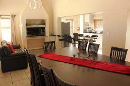 Langebaan Self Catering - Calypso Mansion