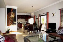 Accommodation in Cape Town - Villa Candara - Three Mountains