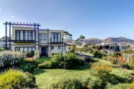 Noordhoek Accommodation - Chapmans View Villa