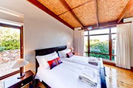 Cape Town Self Catering - Kinghorns Garden