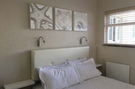 Blouberg Holiday Rentals - Baywatch Guest House and Tours