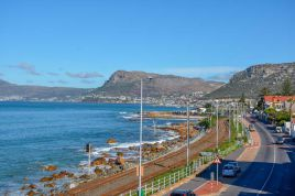 Muizenberg Accommodation - Oceanfront Penthouse