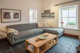 Holiday Apartments - Rosmead Cottage