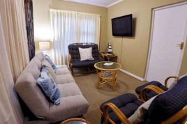 Accommodation in the Garden Route - The Gull Apartment