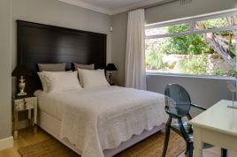 Holiday Apartments - 15 Ottawa
