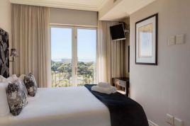 Green Point Accommodation - 705 Cape Royale