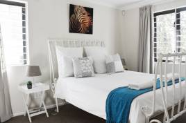Somerset West Self Catering - Comfortable Winelands Getaway