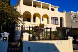 Cape Town Accommodation - Amava Cavalcade