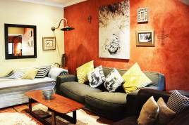 Somerset West Self Catering - Bohemian Retreat