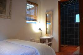 Somerset West Self Catering - Bohemian 2 Bedroom Cottage