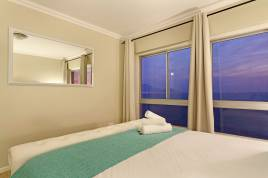Holiday in Bloubergstrand - - Zeezicht 703