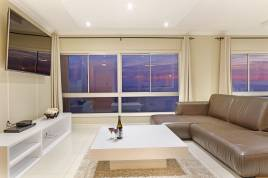 Accommodation in Cape Town - Zeezicht 703