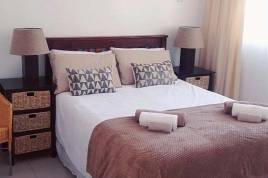 Overberg Accommodation - Stukkie van der Merwe Holiday Cottage