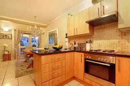Milnerton Accommodation - Coral Grove