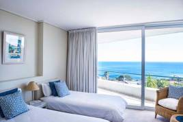 Camps Bay Accommodation - Bay Reflections Luxury Apartment