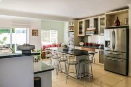 Somerset West Self Catering - Modern Luxury Villa