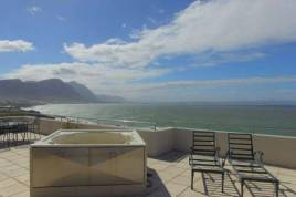 Hermanus Self Catering - Hamewith Penthouse