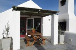 Holiday Apartments - Pepper Tree