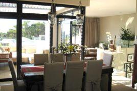 Cape Town City Bowl Accommodation - Aandbloem Residence