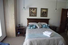 Hermanus Self Catering - Piece of Paradise