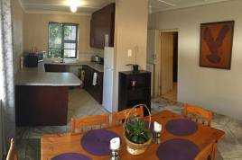 Cape Town Self Catering - Lilly Topaz