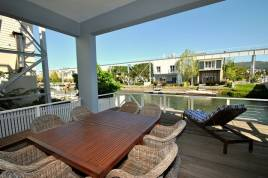 Holiday Apartments - Luxurious Island Holiday Living