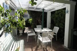 Holiday Apartments - Eastbury - Garden Cottage
