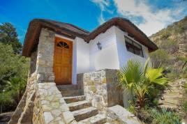Holiday Apartments - Little Sanctuary - Eagles Nest Cottage