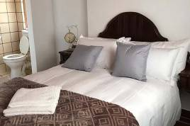 Overberg Accommodation - Goedvertrou Guest Farm