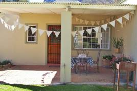 Holiday Apartments - Royal Gala Cottage