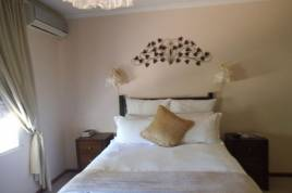 Book Now - The Golden Grape Bed and Breakfast