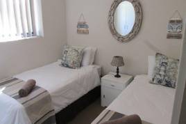 Mossel Bay Self Catering - Santos 1