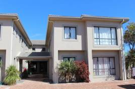 Hermanus Self Catering - La Vita 2