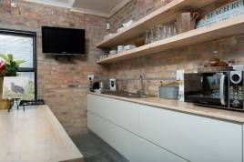Holiday Apartments - Stay at Friends Self Catering Apartment