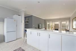 Bloubergstrand Holiday Apartment Rentals - Atlantic Drift