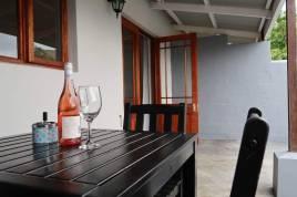 Hermanus Self Catering - Hemel en Aarde Village Accommodation