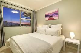 Bloubergstrand Holiday Home Rentals - Atlantic Sun